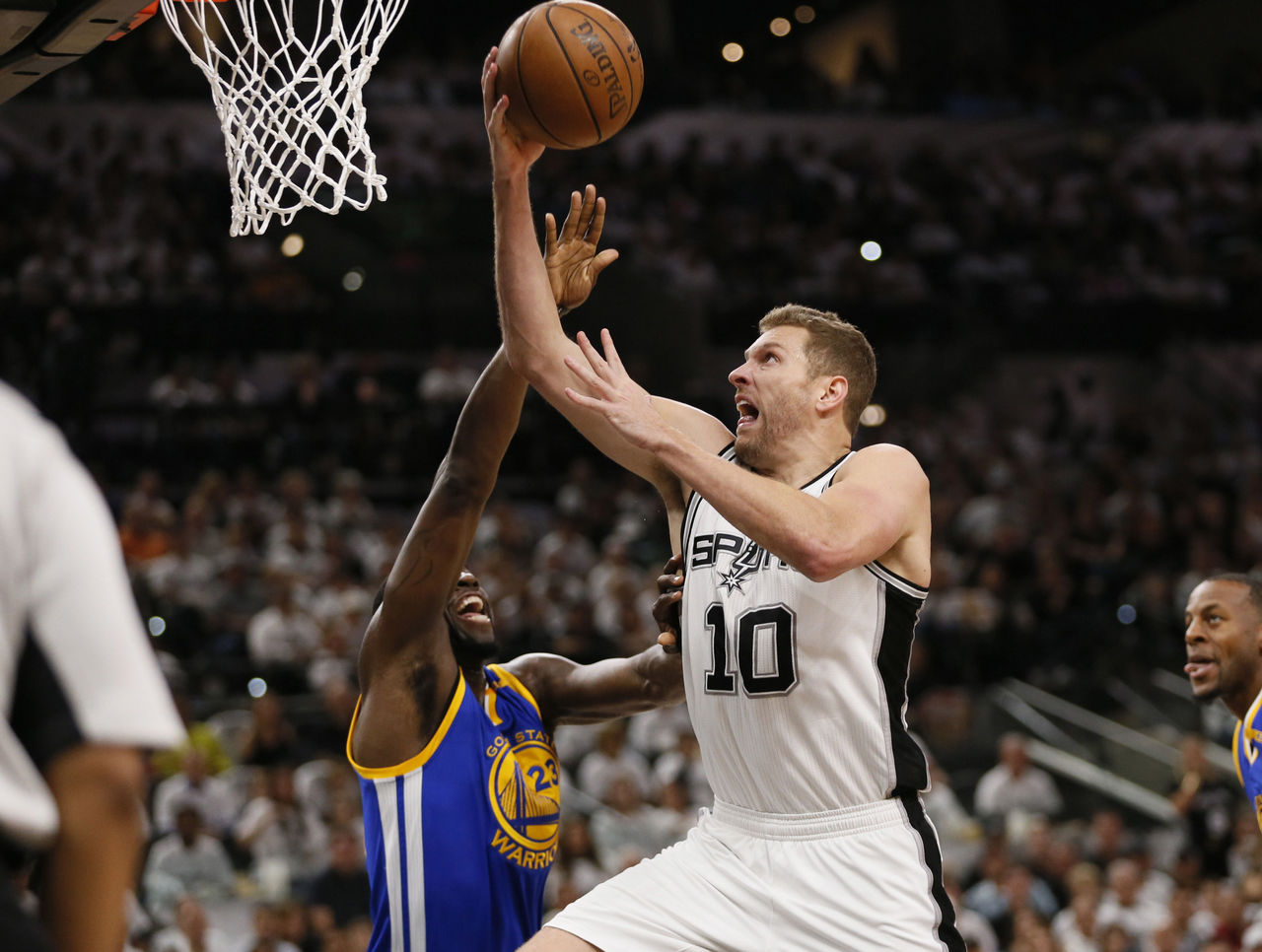 Cropped 2017 05 21t032714z 758153697 nocid rtrmadp 3 nba playoffs golden state warriors at san antonio spurs