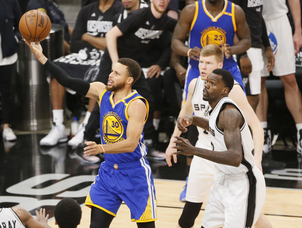Cavaliers, Warriors become 1st teams to meet in 3 consecutive NBA Finals | theScore.com