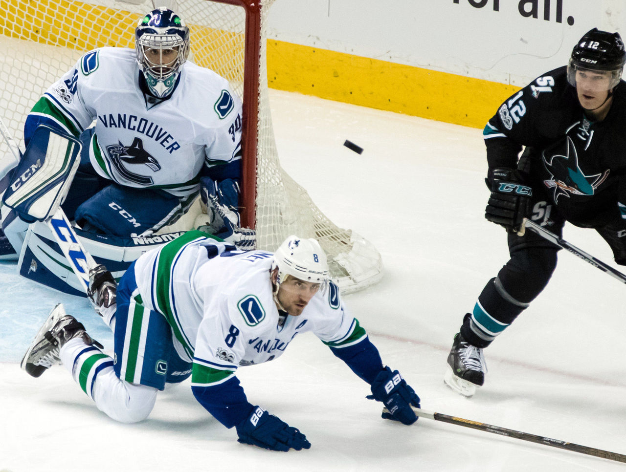 Cropped 2017 03 03t062123z 87568372 nocid rtrmadp 3 nhl vancouver canucks at san jose sharks