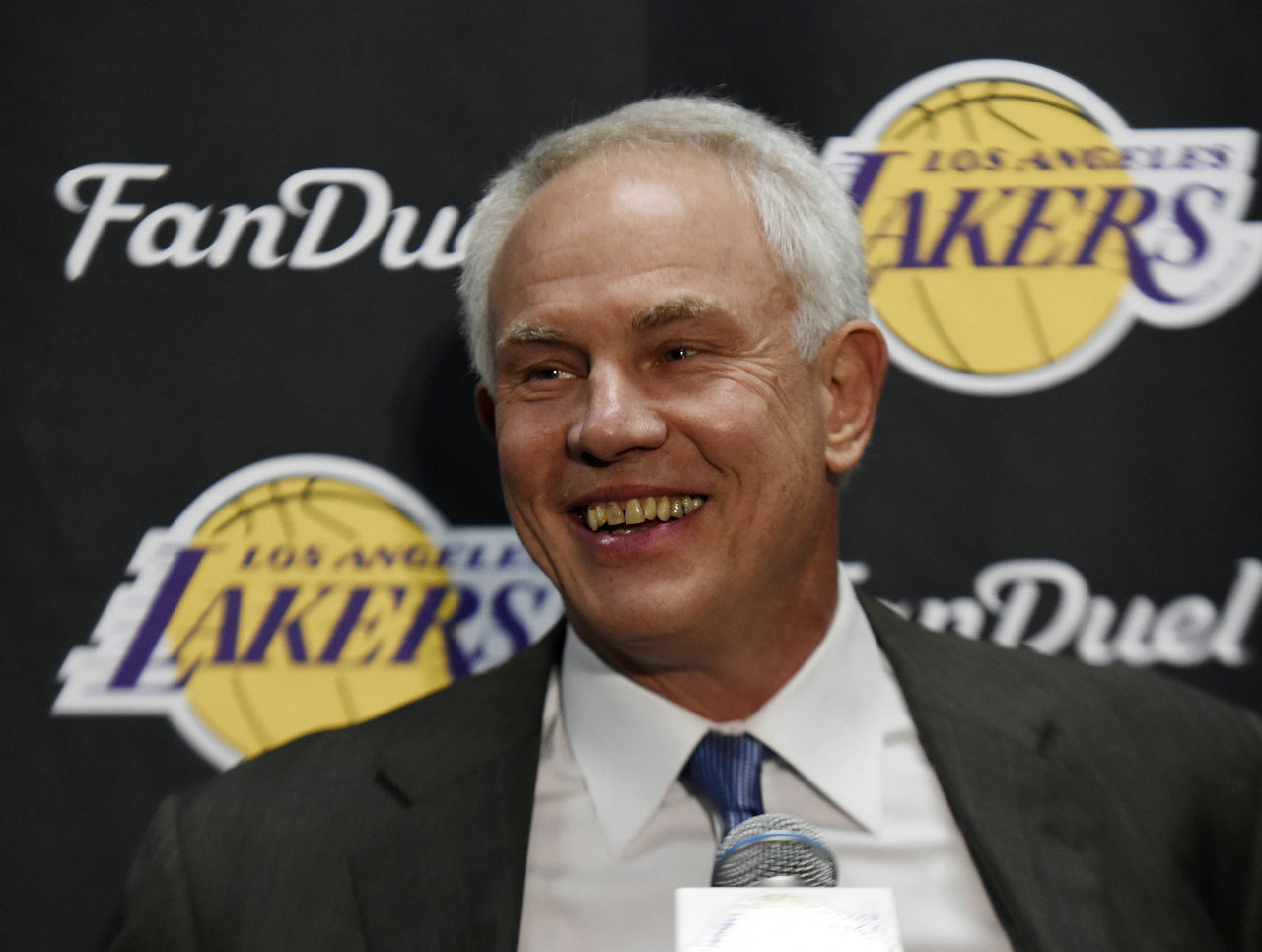 Stern Lakers still could ve traded for Chris Paul but Kupchak