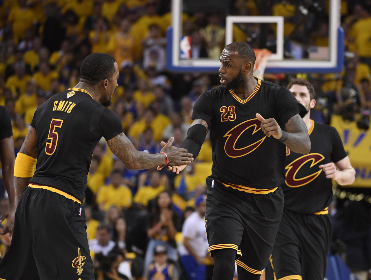 Cropped 2017 06 13t031056z 130043111 nocid rtrmadp 3 nba finals cleveland cavaliers at golden state warriors