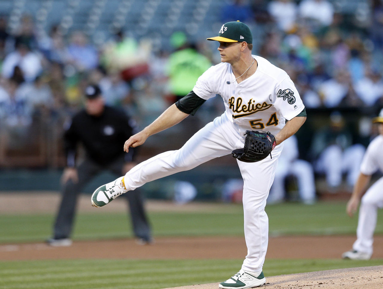 Cropped 2017 06 16t031809z 2145717673 nocid rtrmadp 3 mlb new york yankees at oakland athletics