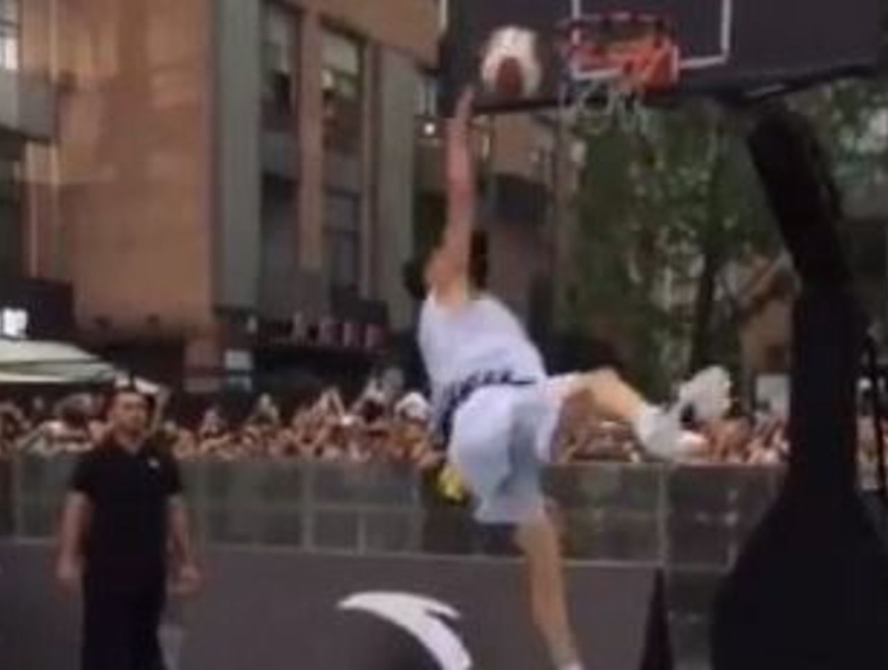 Cropped klay thompson dunk fail