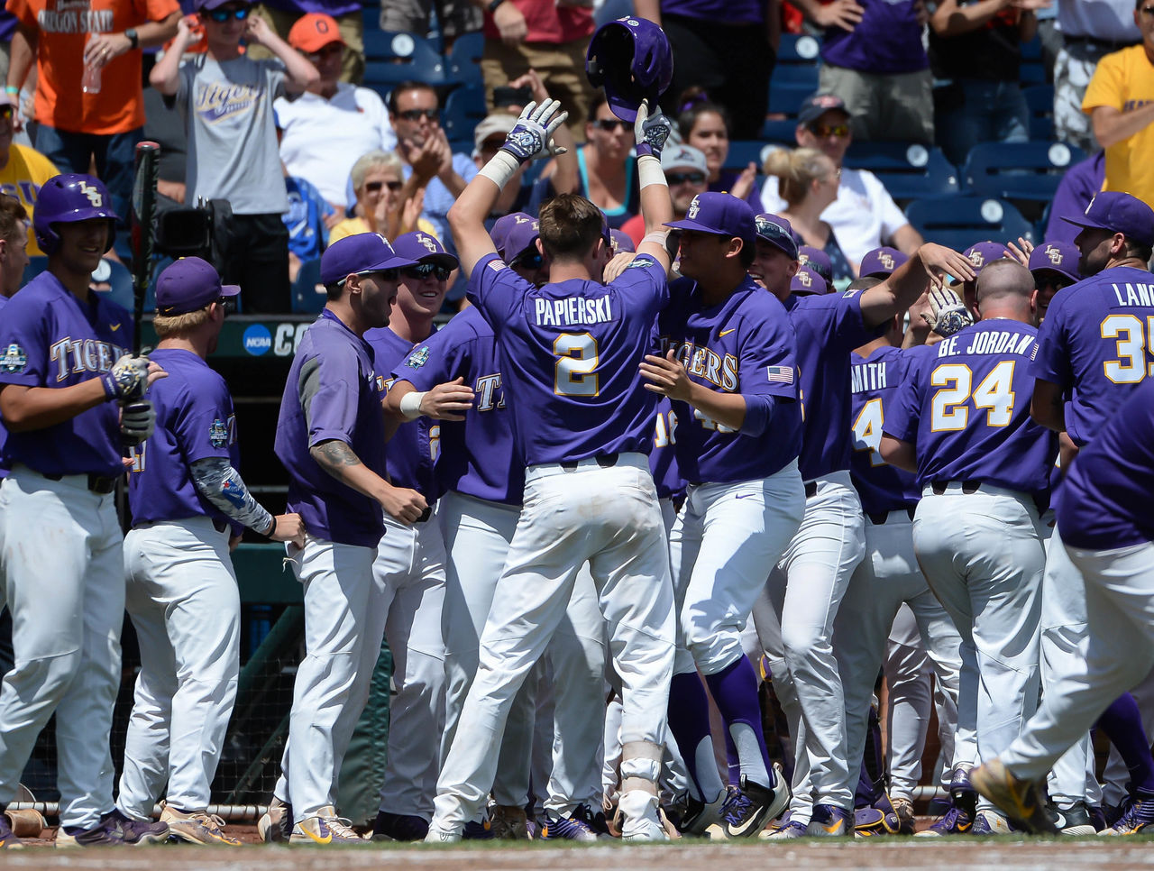 Cropped 2017 06 24t204613z 1879617506 nocid rtrmadp 3 ncaa baseball college world series lsu vs oregon state