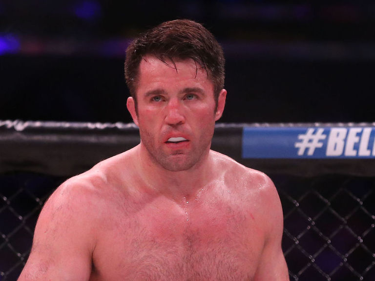 Sonnen predicts easy win for Mayweather: 'It's over fast'