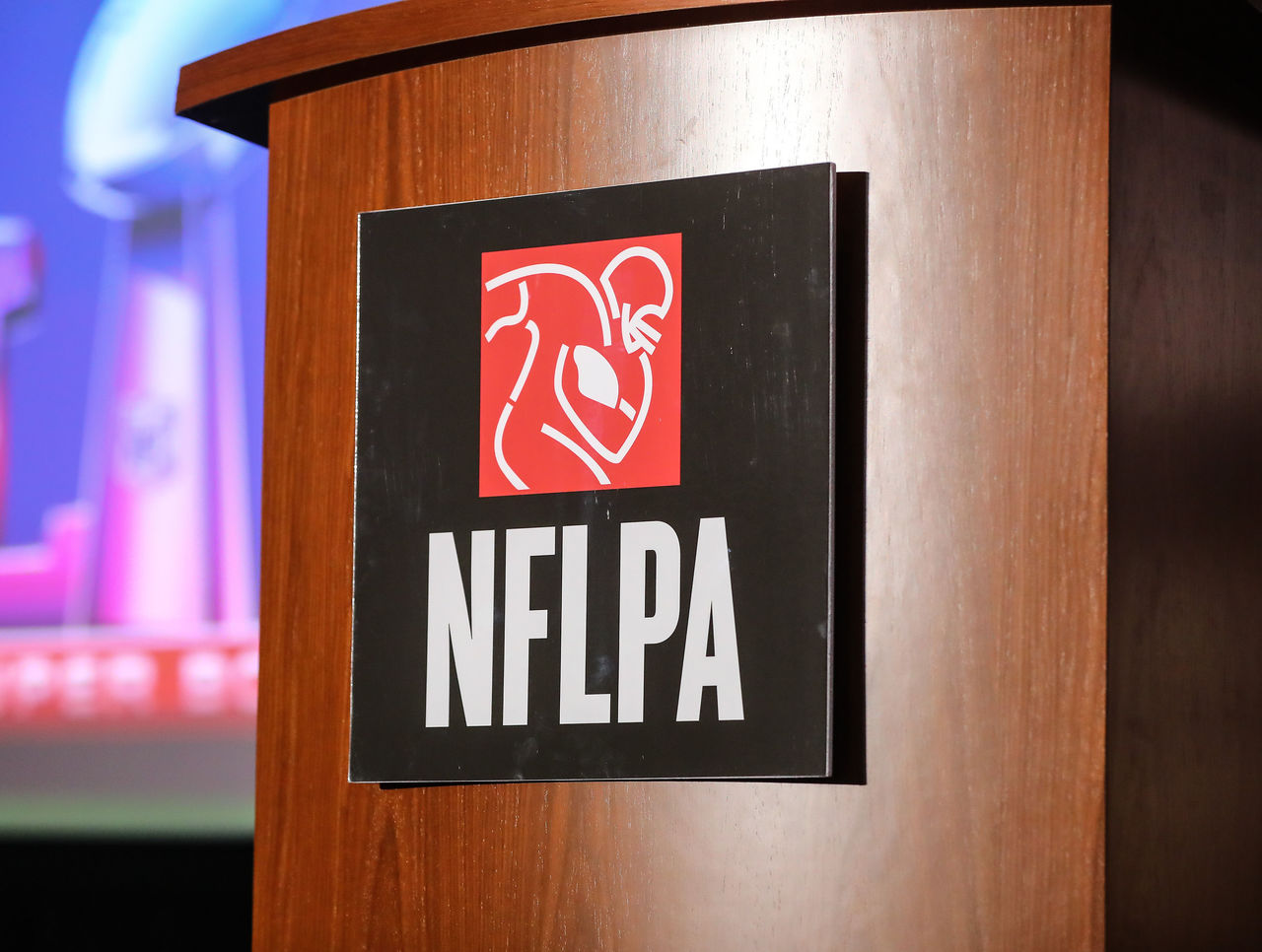 Report: NFLPA informed players about potential financial scam