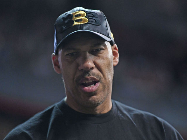 LaVar unconcerned with Lonzo's summer league stats: 'You just gotta win'