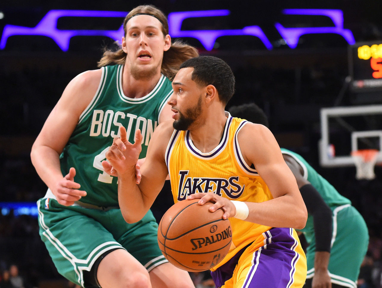 Cropped 2017 03 04t045820z 196345345 nocid rtrmadp 3 nba boston celtics at los angeles lakers