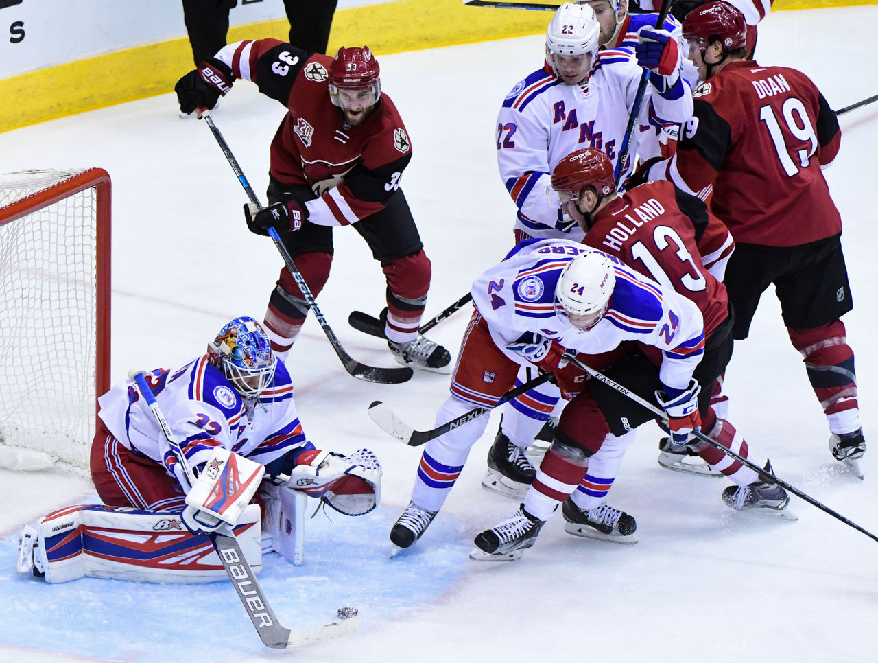 Cropped 2016 12 30t041204z 1195955231 nocid rtrmadp 3 nhl new york rangers at arizona coyotes