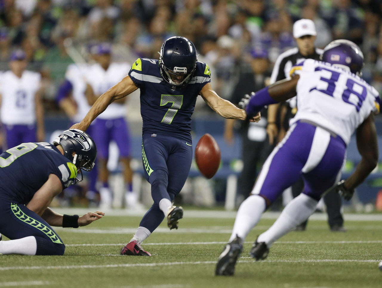 Cropped_2017-08-19t060435z_334818105_nocid_rtrmadp_3_nfl-minnesota-vikings-at-seattle-seahawks