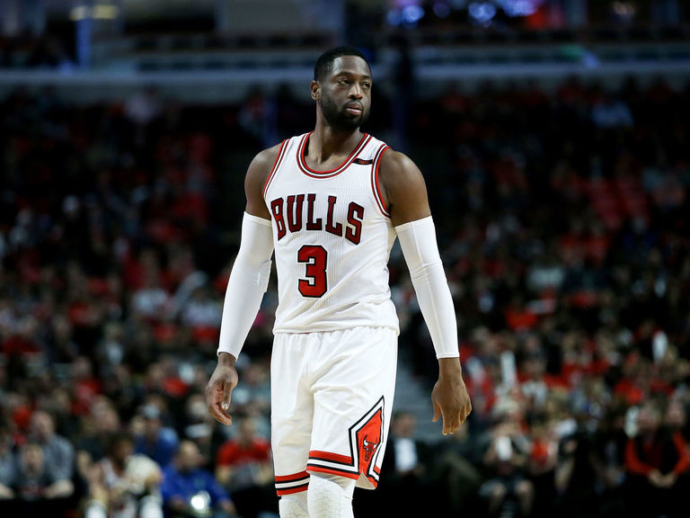 Report: Bulls' younger players 'can't stand' Wade