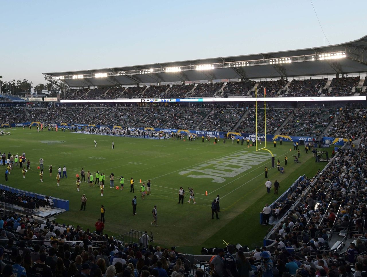 Fouts Embarrassing For Chargers To Play At Stubhub