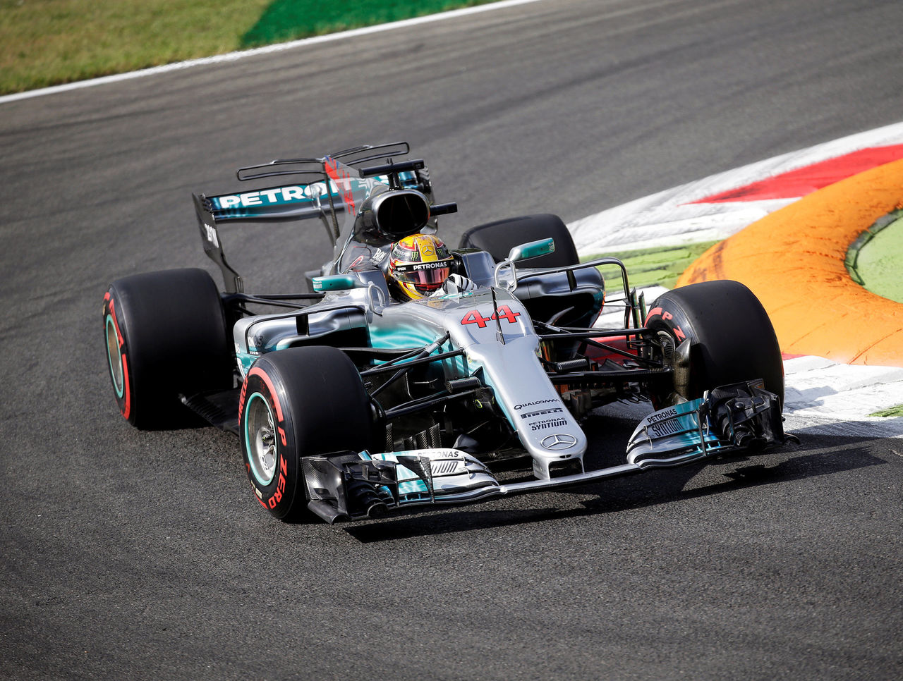 Cropped 2017 09 01t085733z 1789413305 rc1b2887a120 rtrmadp 3 motor f1 italy