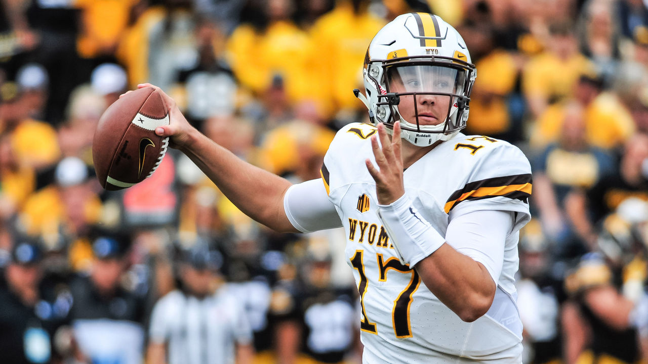 Cropped 2017 09 02t163315z 1938425827 nocid rtrmadp 3 ncaa football wyoming at iowa