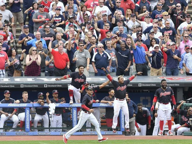 Indians set AL record with 21st consecutive win