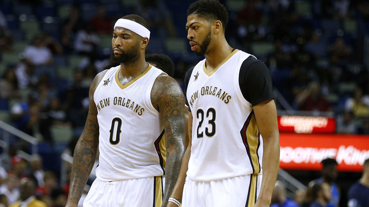 Anthony Davis Leaves Pelicans-Clippers With Apprent Rib Injury