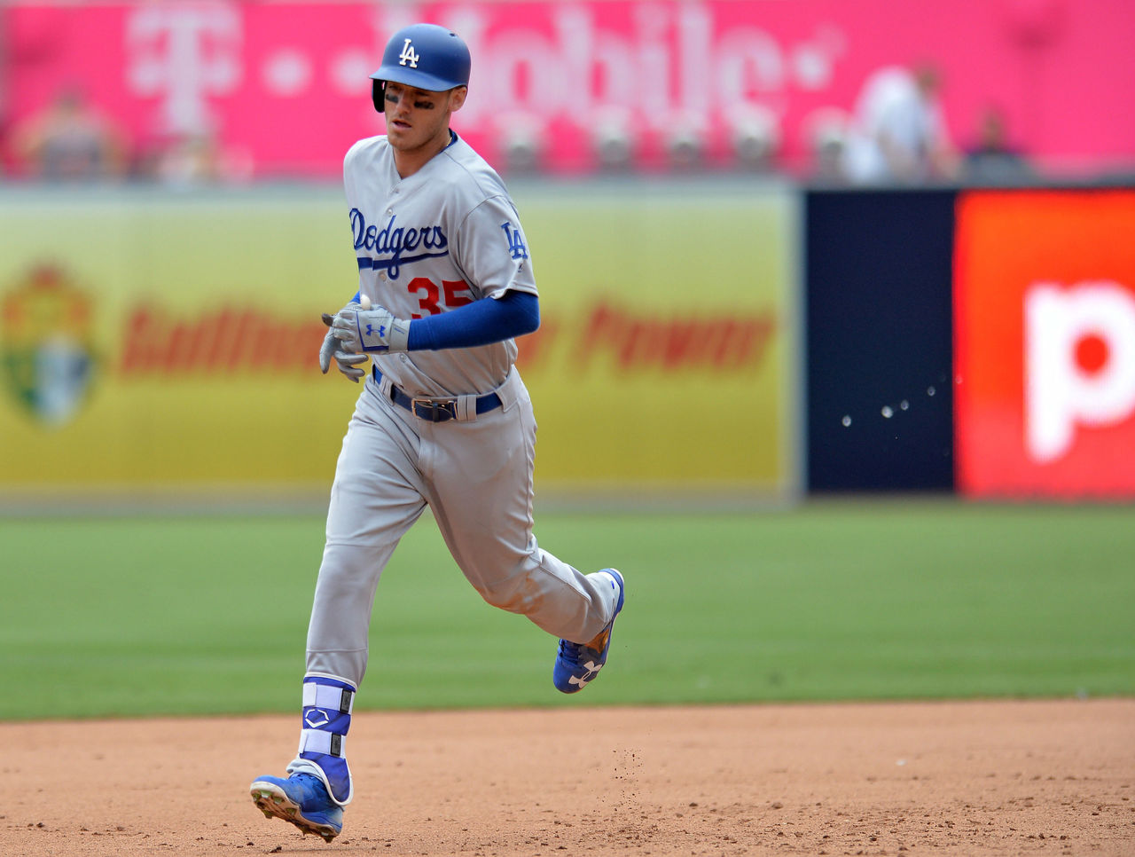 Cropped 2017 09 04t000437z 1304986406 nocid rtrmadp 3 mlb los angeles dodgers at san diego padres