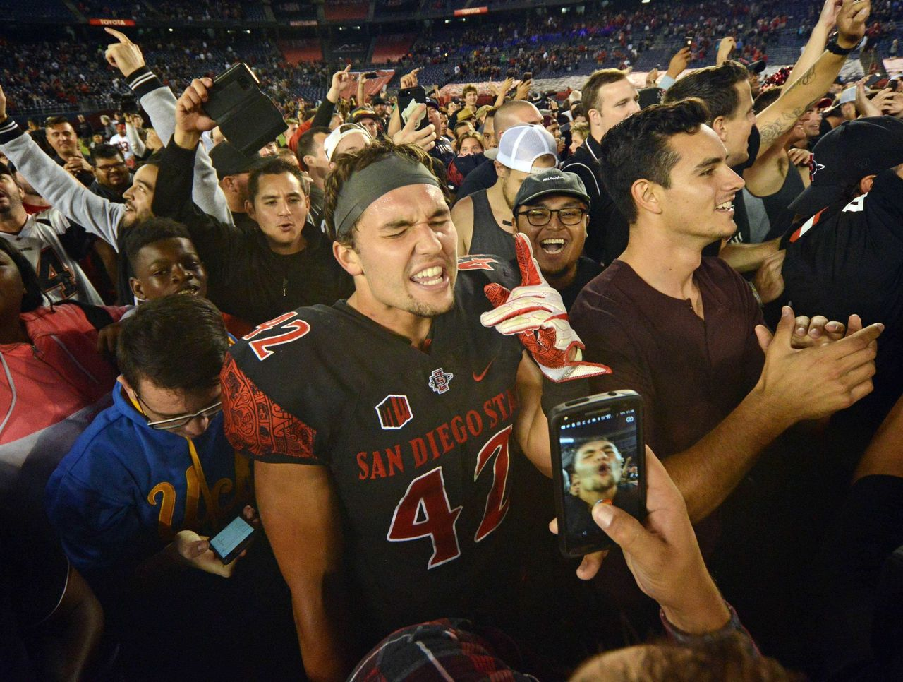 Cropped_2017-09-17t070010z_987718494_nocid_rtrmadp_3_ncaa-football-stanford-at-san-diego-state
