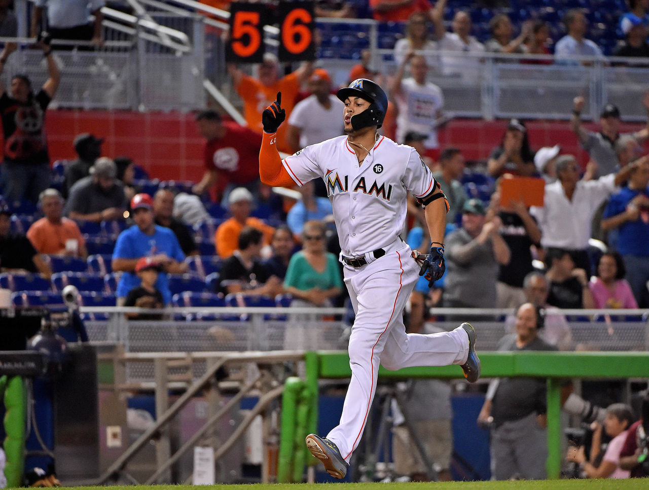 Cropped 2017 09 20t200631z 268294817 nocid rtrmadp 3 mlb new york mets at miami marlins