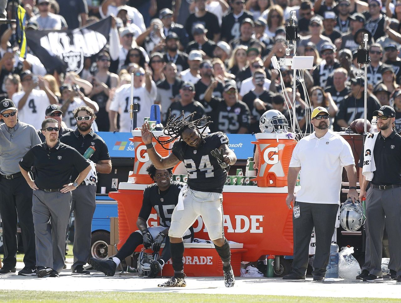 Cropped 2017 09 18t041330z 35027739 nocid rtrmadp 3 nfl new york jets at oakland raiders