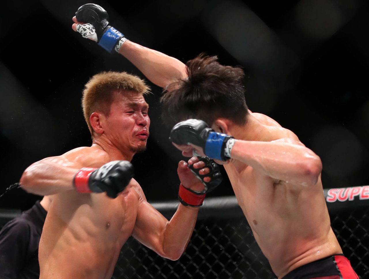 Cropped 2017 09 23t004351z 300801672 nocid rtrmadp 3 mma ufc fight night abe vs lim