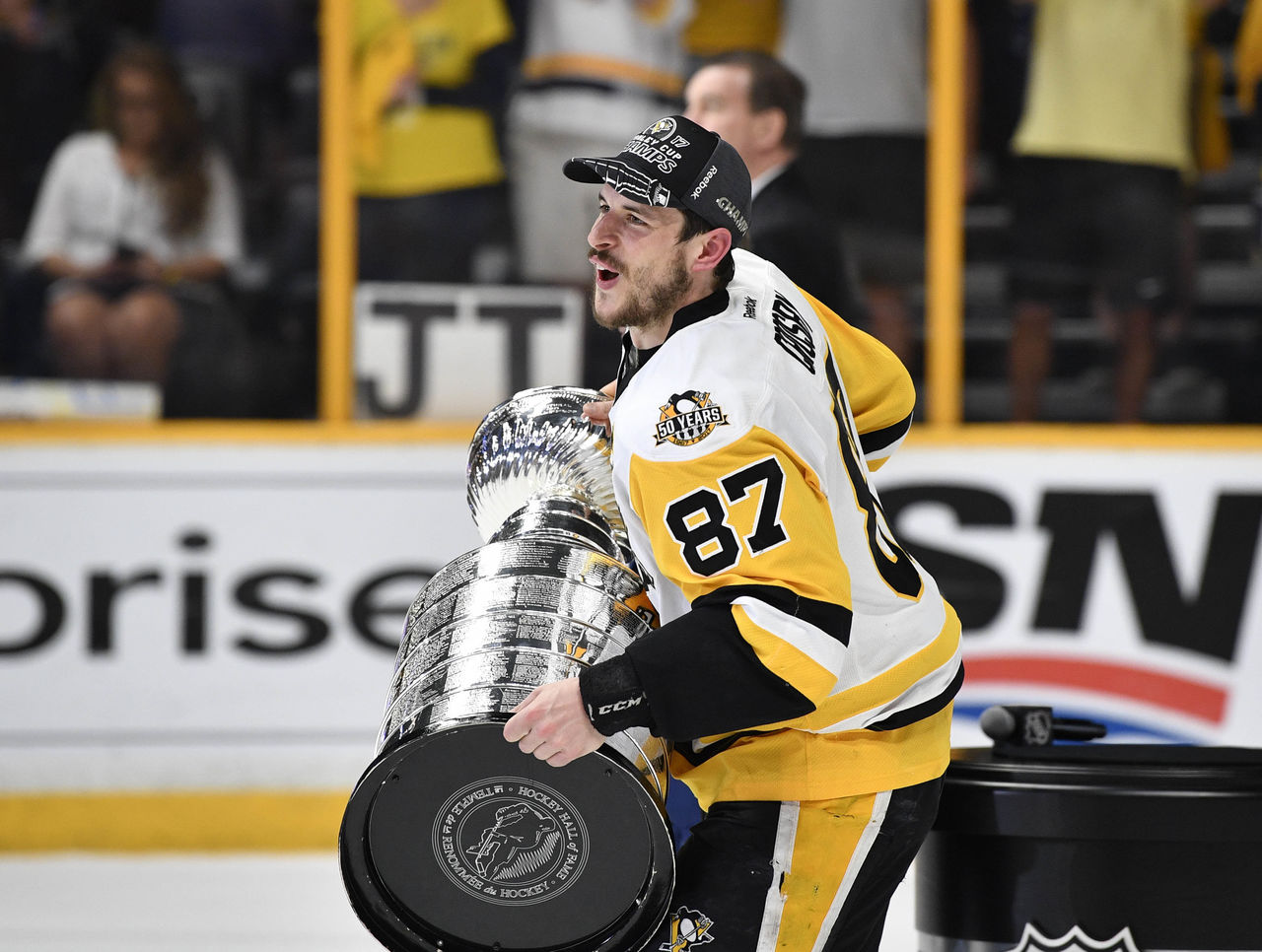Cropped 2017 06 12t032213z 400203789 nocid rtrmadp 3 nhl stanley cup final pittsburgh penguins at nashville predators