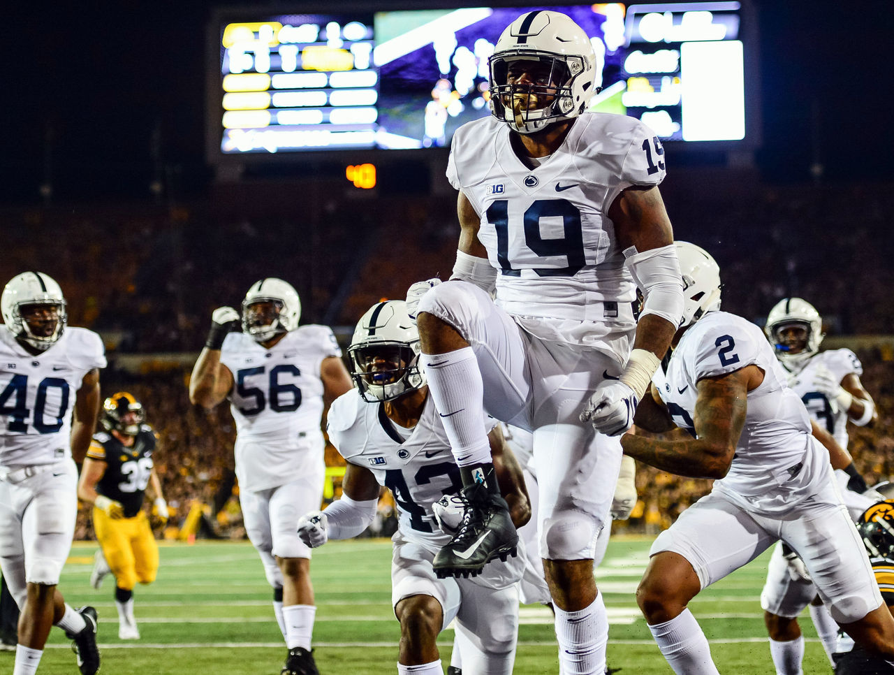 Cropped 2017 09 24t015149z 658117450 nocid rtrmadp 3 ncaa football penn state at iowa