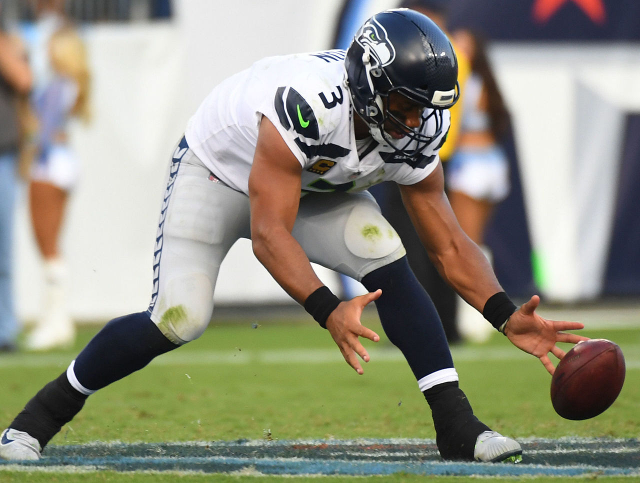 Cropped_2017-09-24t235217z_1631044570_nocid_rtrmadp_3_nfl-seattle-seahawks-at-tennessee-titans
