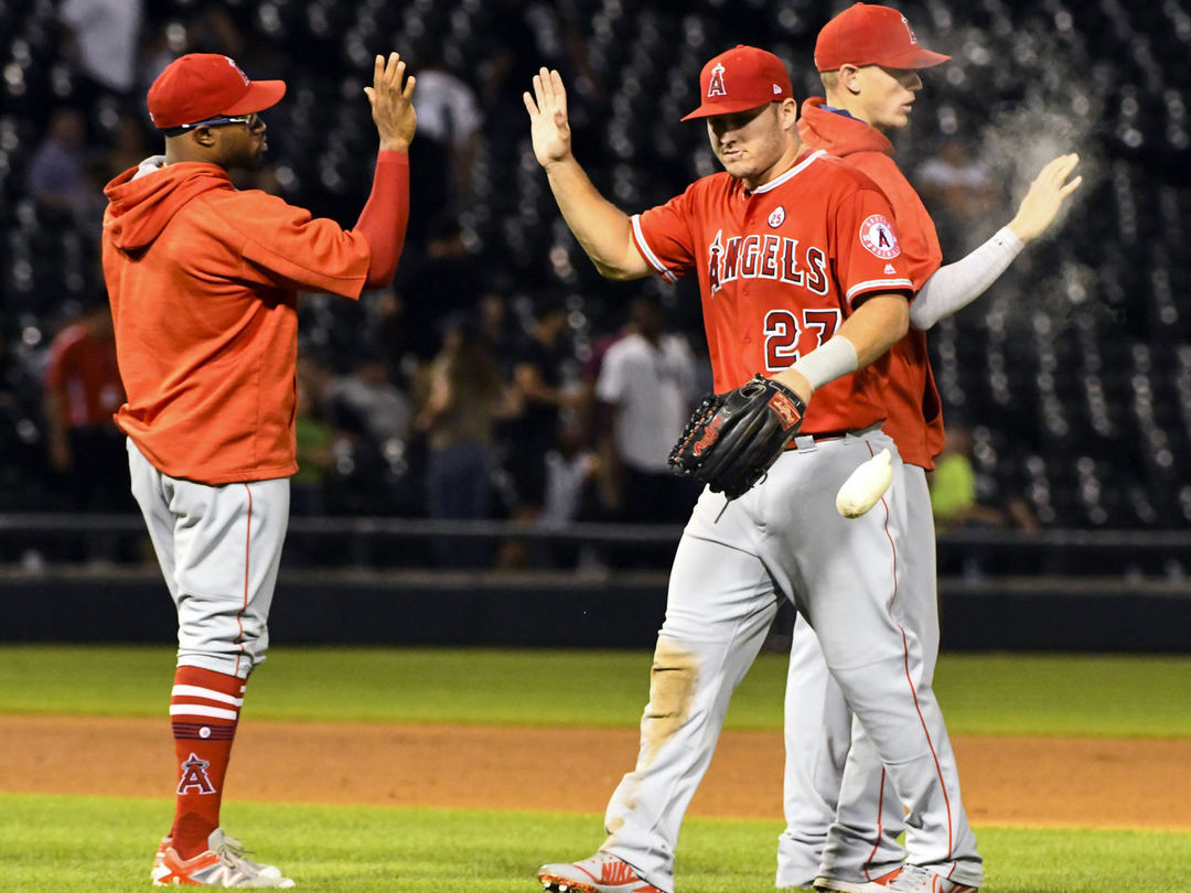 Angels stay alive with key victory over White Sox