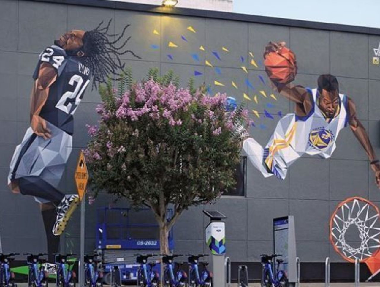 Look: Bay Area artist unveils mural of Lynch, Durant in Oakland
