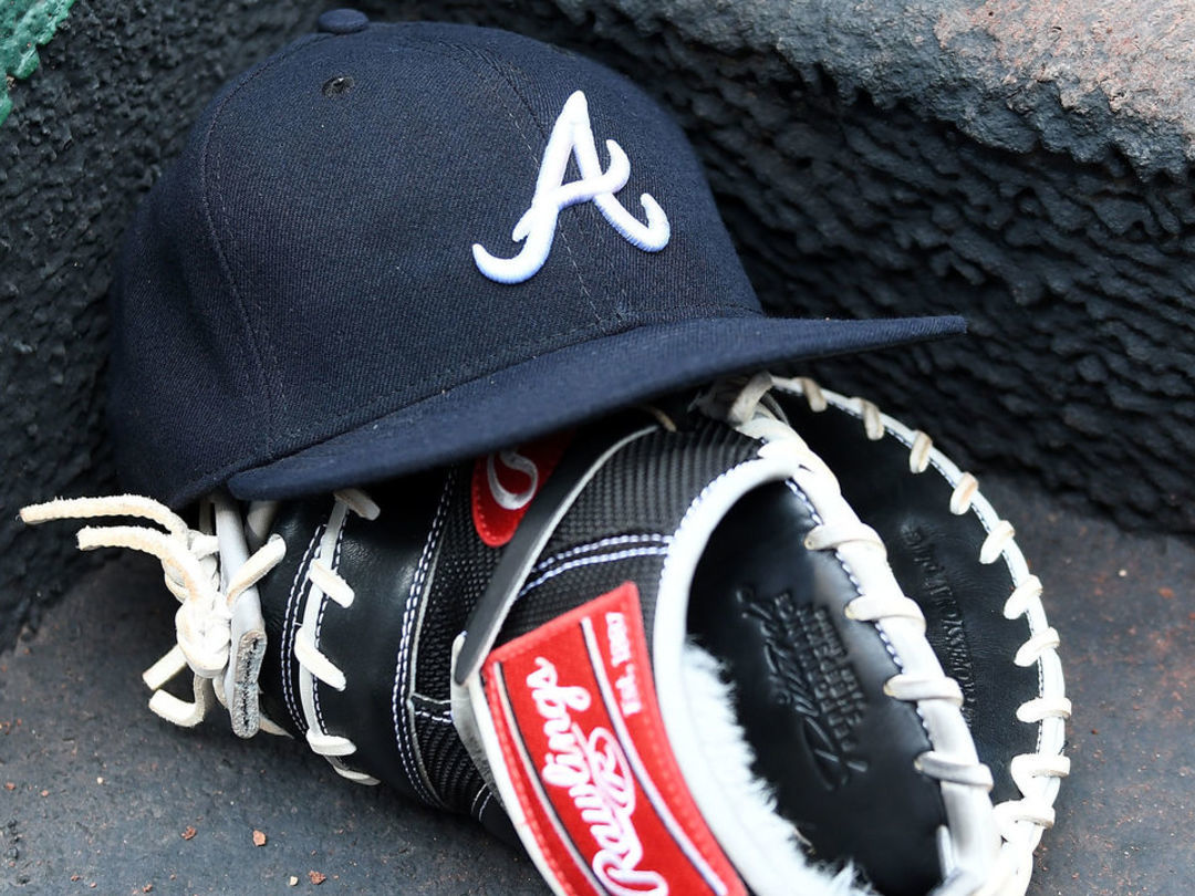 Braves lose 12 prospects, draft pick in signing scandal