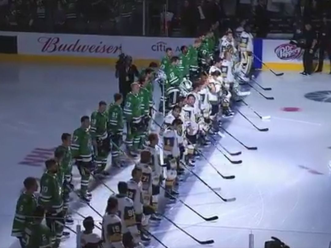 Stars, Golden Knights players stand together to support Vegas shooting victims