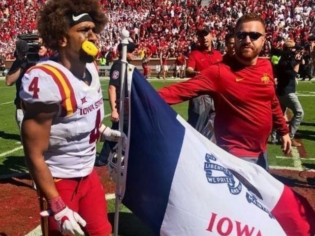 Iowa State turns tables on Oklahoma, plants state flag at midfield after upset