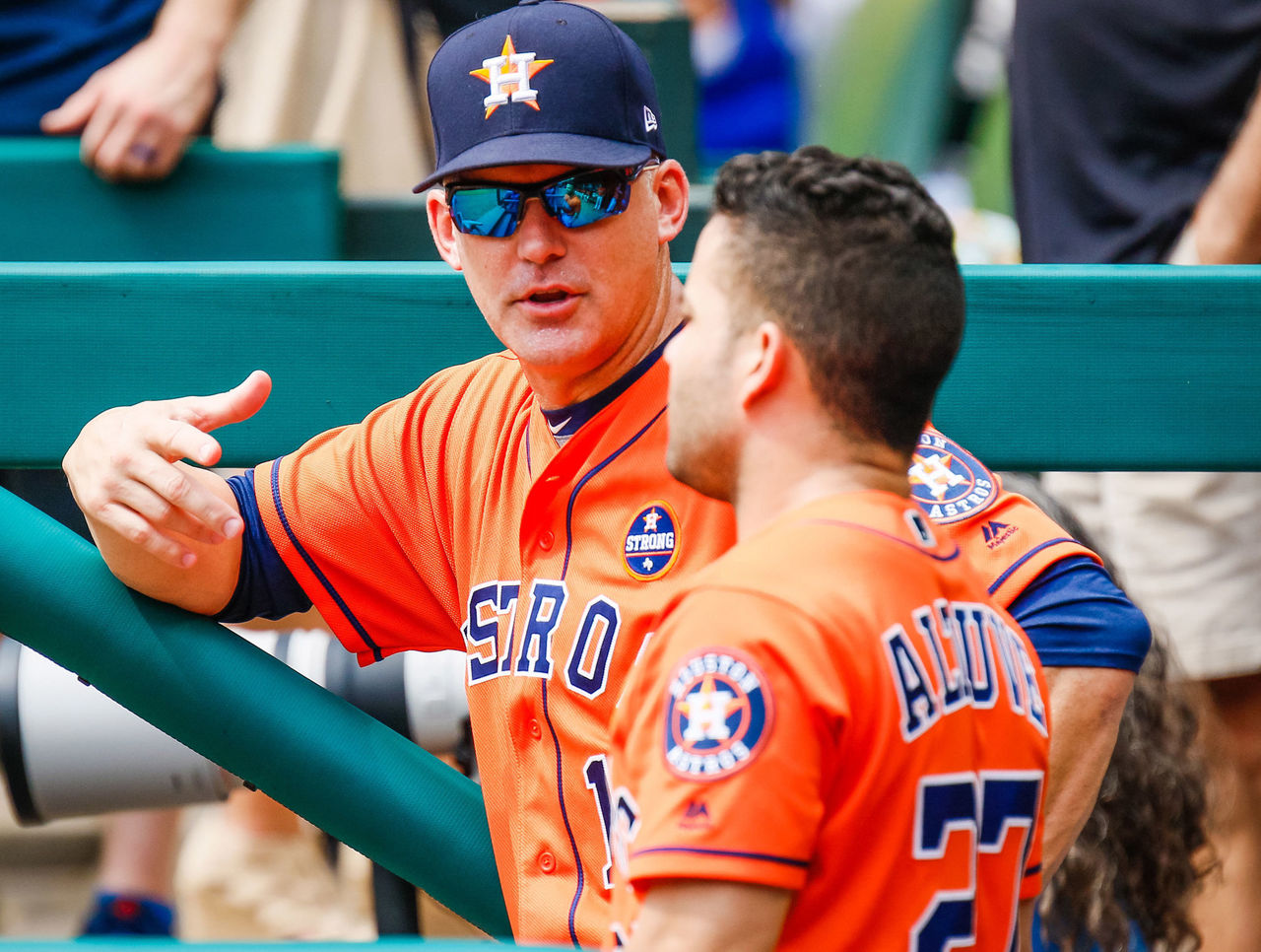 Cropped 2017 09 27t195209z 575934997 nocid rtrmadp 3 mlb houston astros at texas rangers