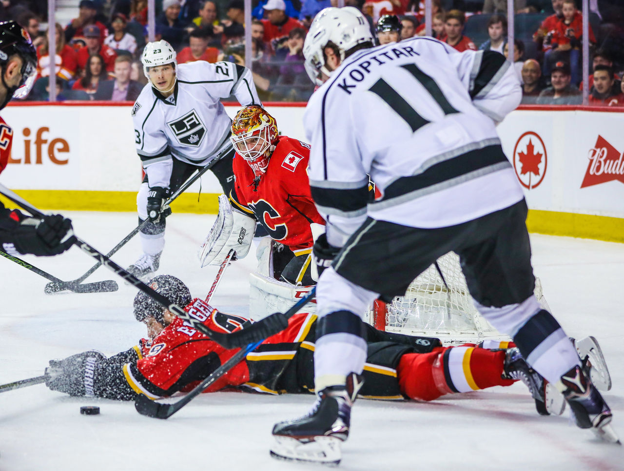 Cropped 2017 03 30t031944z 1499944860 nocid rtrmadp 3 nhl los angeles kings at calgary flames