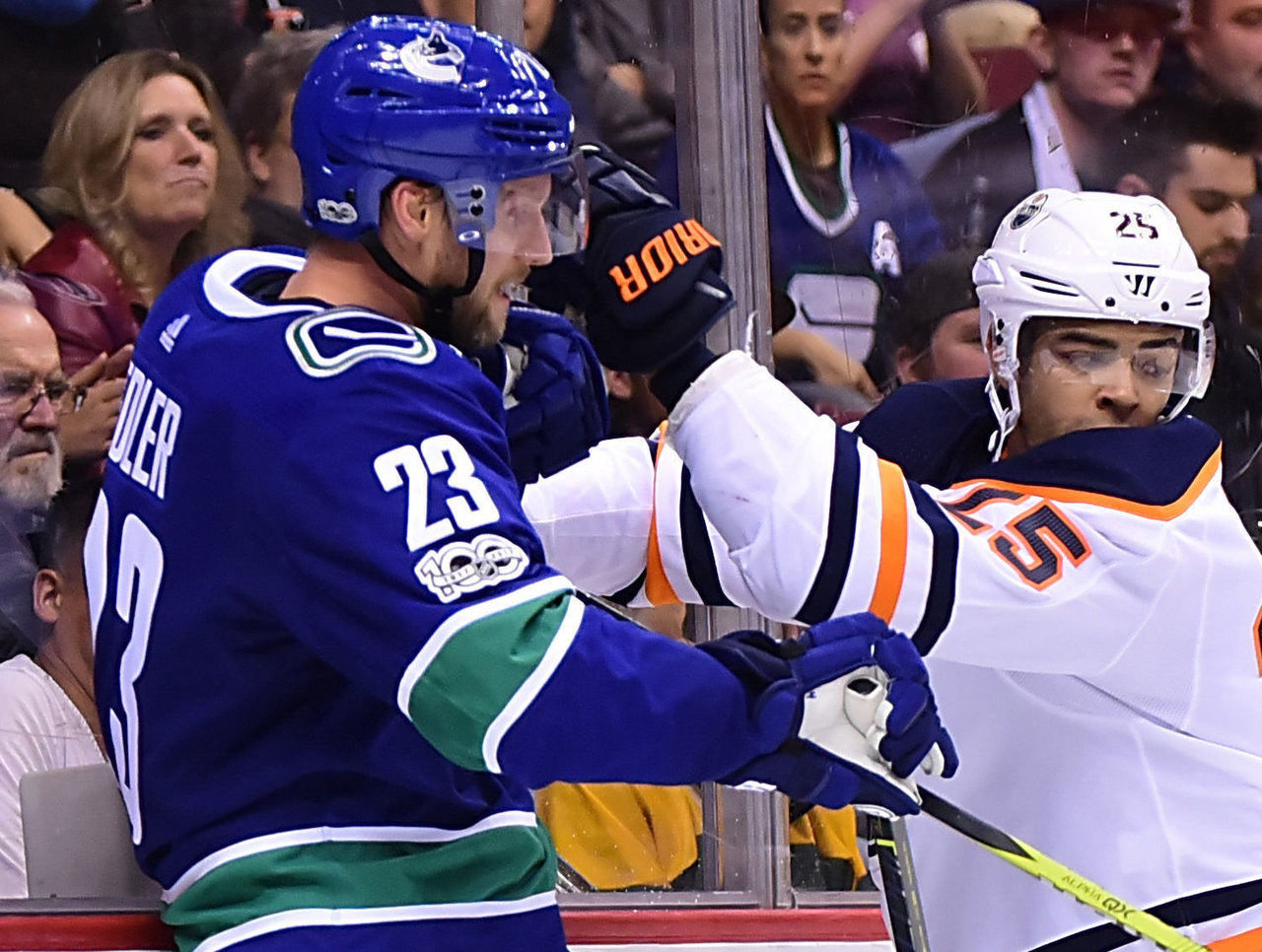 Cropped 2017 10 08t040816z 1128714232 nocid rtrmadp 3 nhl edmonton oilers at vancouver canucks