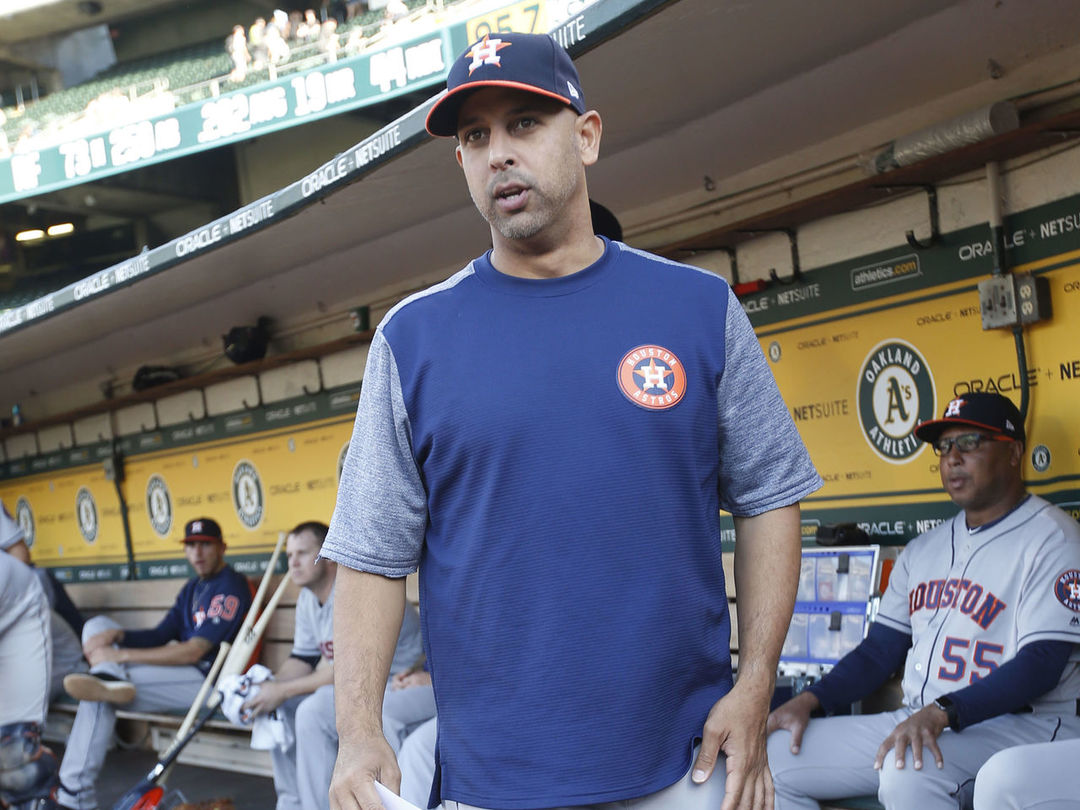 Report: Red Sox to interview Cora for manager