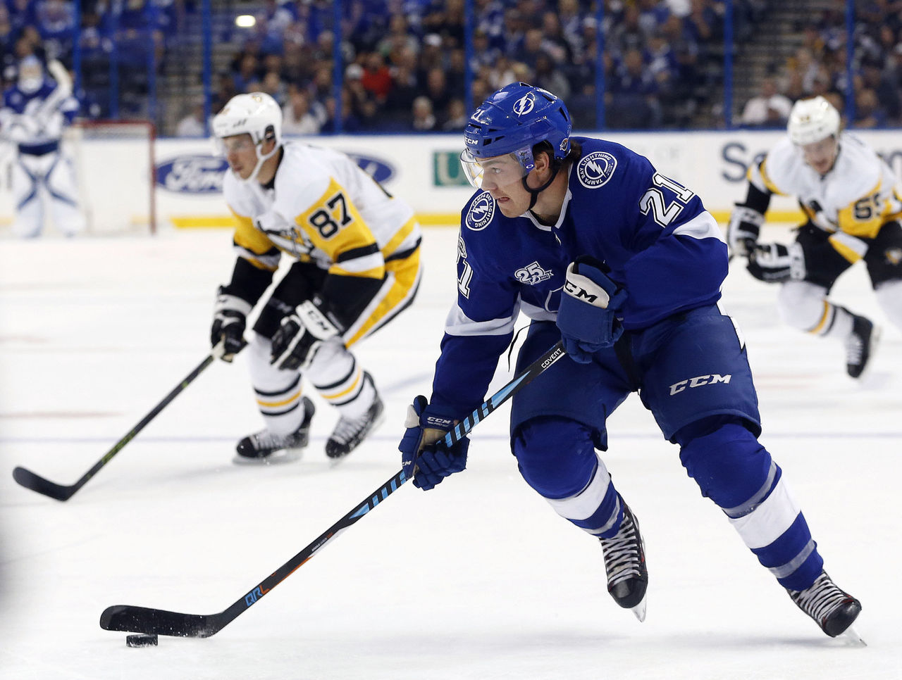 Cropped 2017 10 13t004756z 1703729823 nocid rtrmadp 3 nhl pittsburgh penguins at tampa bay lightning
