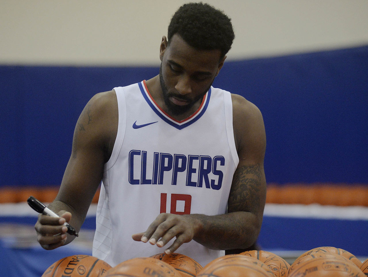 Cropped_2017-09-25t194635z_509136714_nocid_rtrmadp_3_nba-los-angeles-clippers-media-day