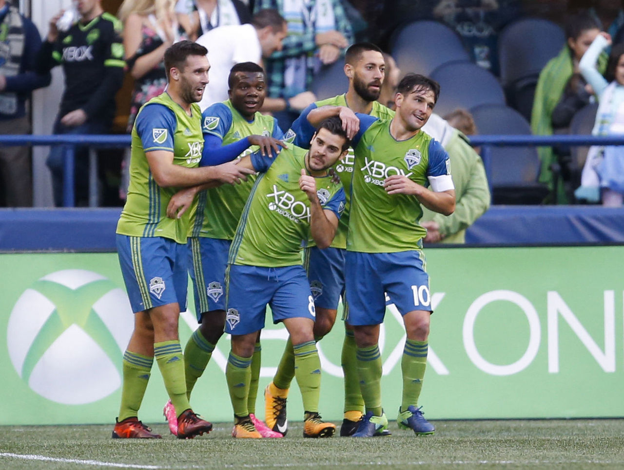 Cropped 2017 10 16t005244z 1990813422 nocid rtrmadp 3 mls fc dallas at seattle sounders fc