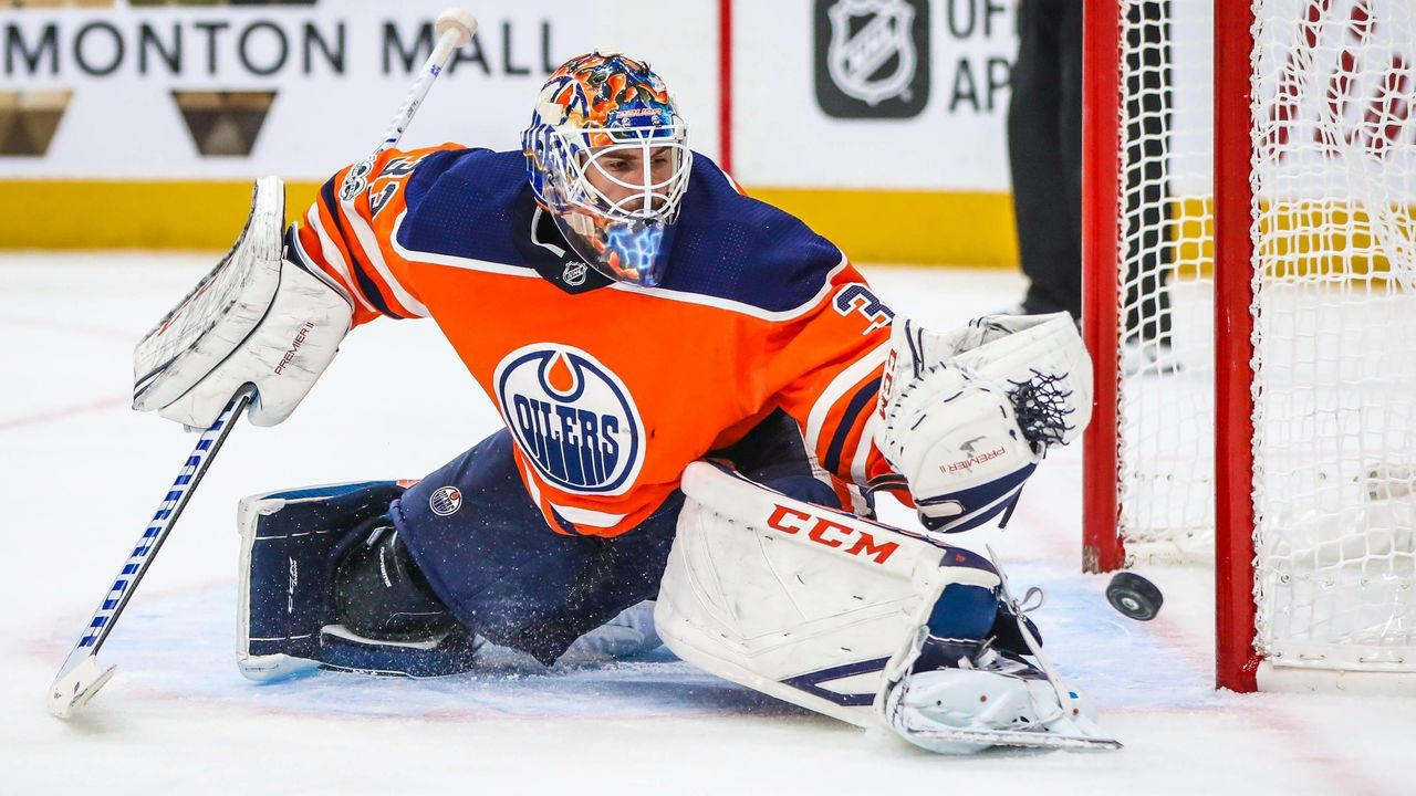Cropped 2017 10 10t040714z 999352434 nocid rtrmadp 3 nhl winnipeg jets at edmonton oilers