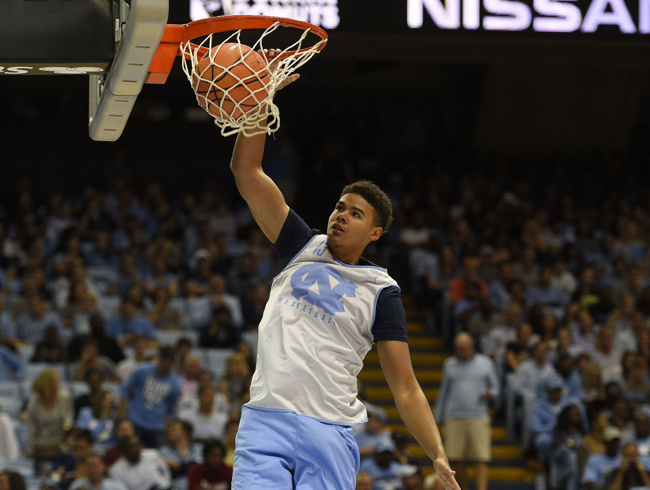 Cropped 2017 10 14t022918z 1135524058 nocid rtrmadp 3 ncaa basketball north carolina midnight madness