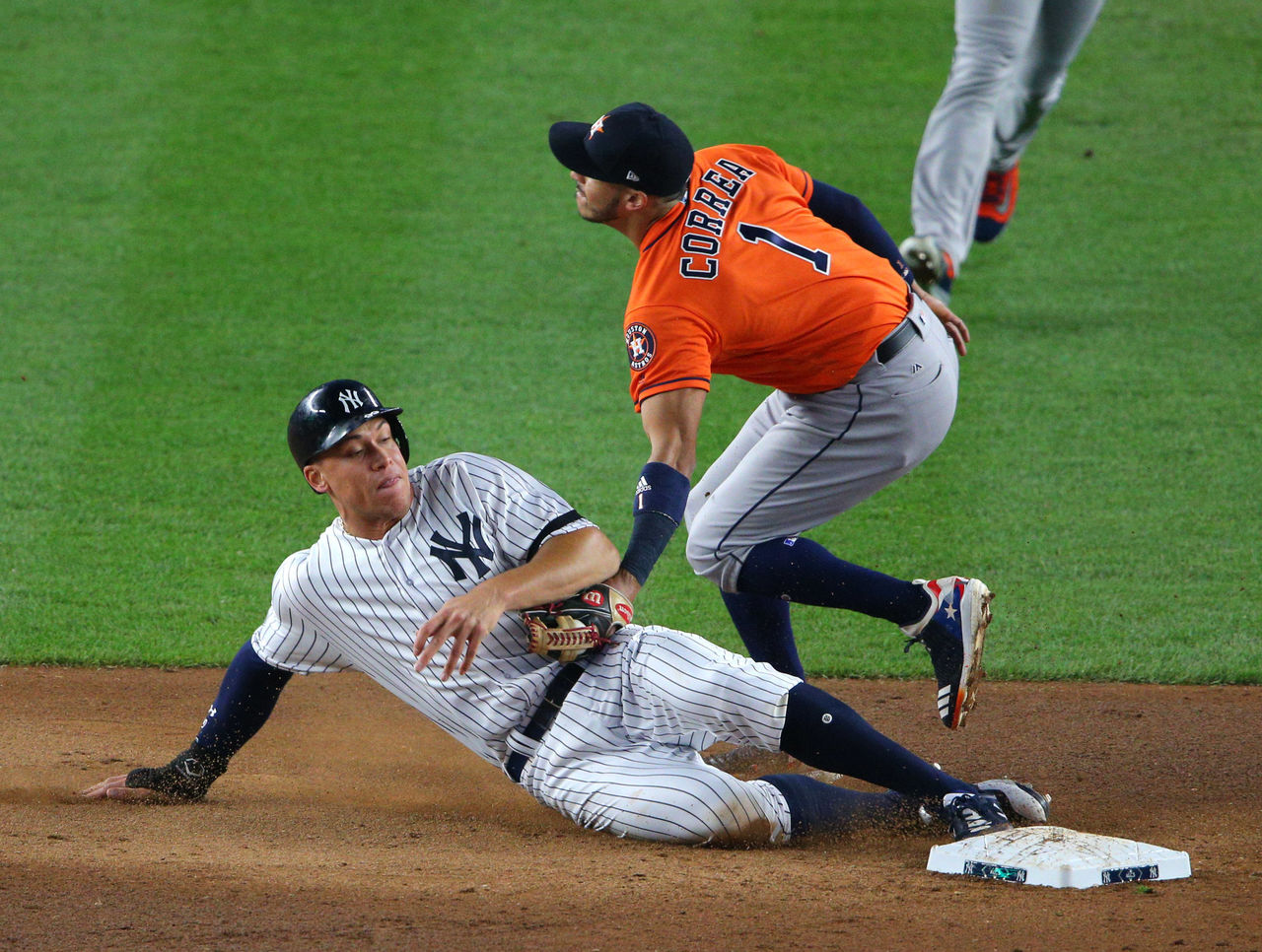 Cropped 2017 10 17t224015z 1817470009 nocid rtrmadp 3 mlb alcs houston astros at new york yankees