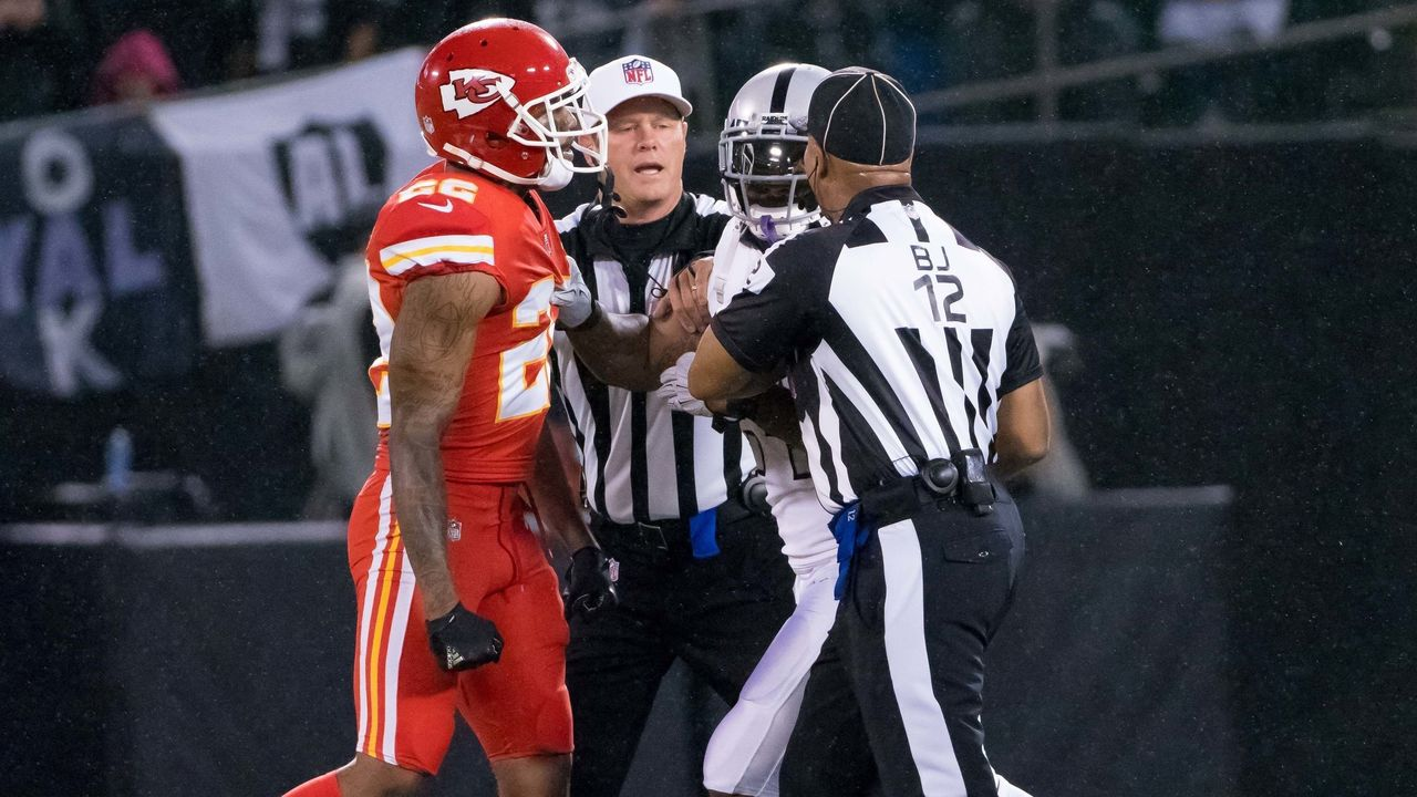Cropped 2017 10 20t044833z 477840637 nocid rtrmadp 3 nfl kansas city chiefs at oakland raiders