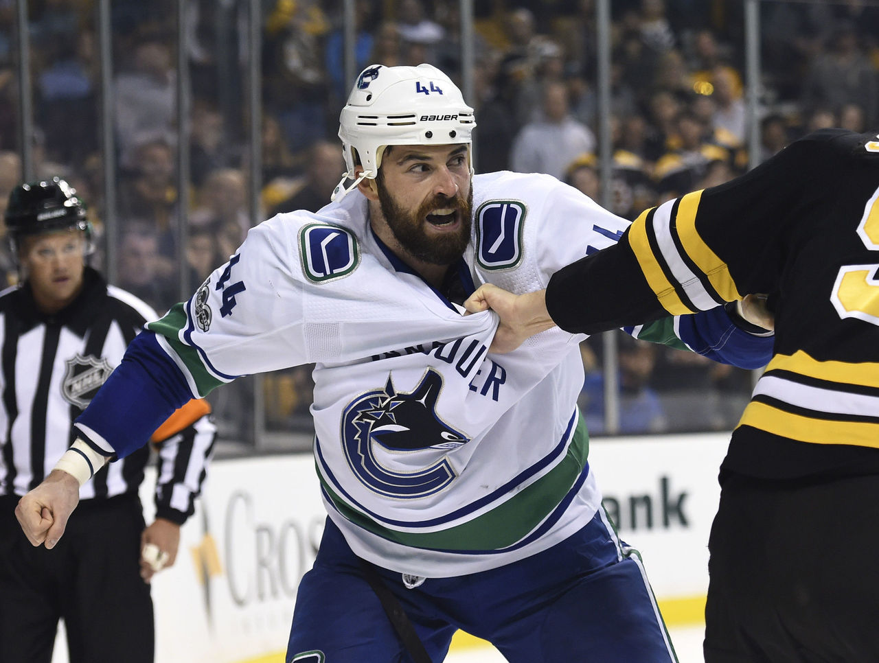 Cropped 2017 10 20t023838z 415277923 nocid rtrmadp 3 nhl vancouver canucks at boston bruins