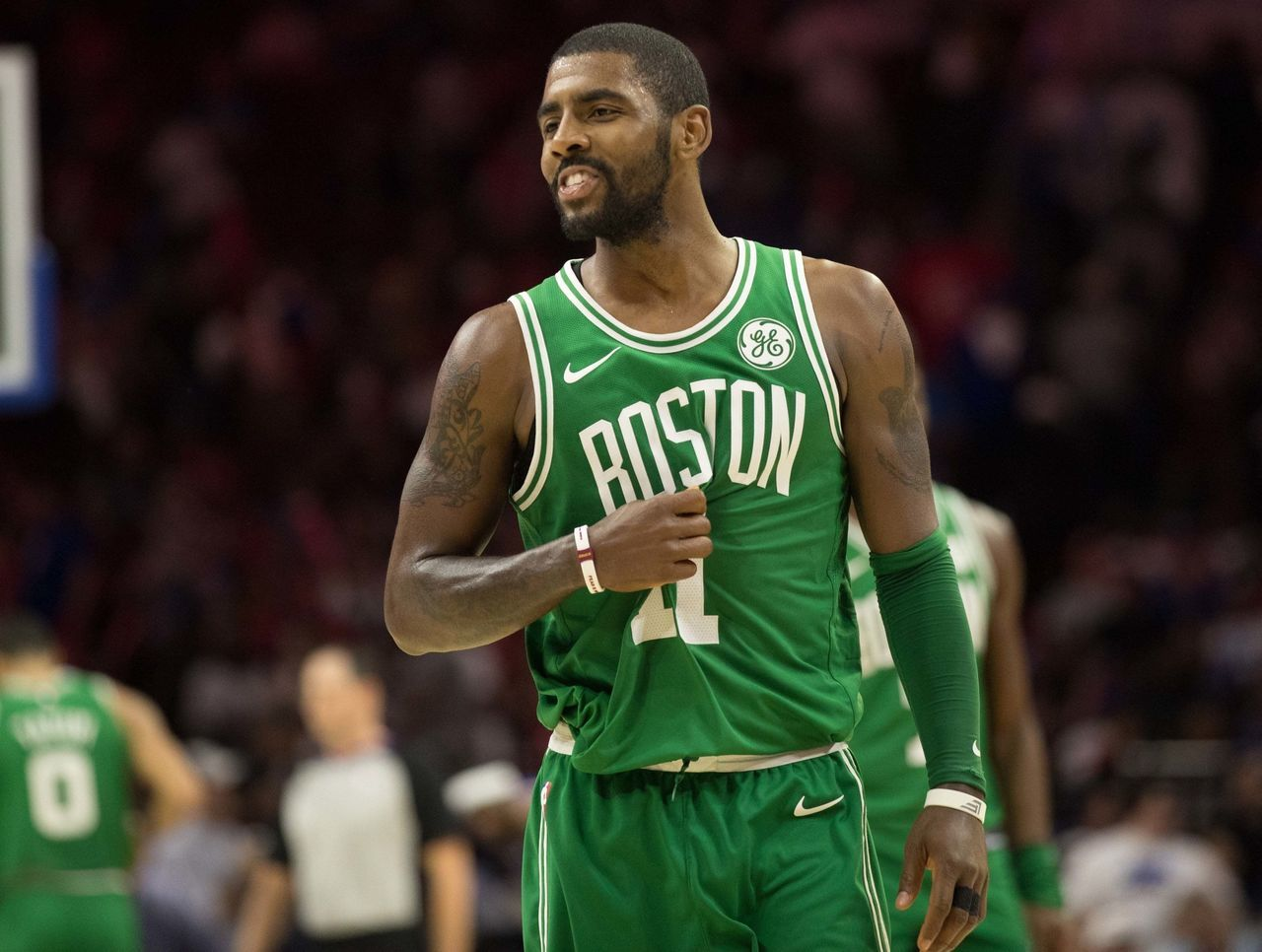 Celtics' Kyrie Irving doesn't regret telling heckler to 'suck his d**k,' but apologizes to children