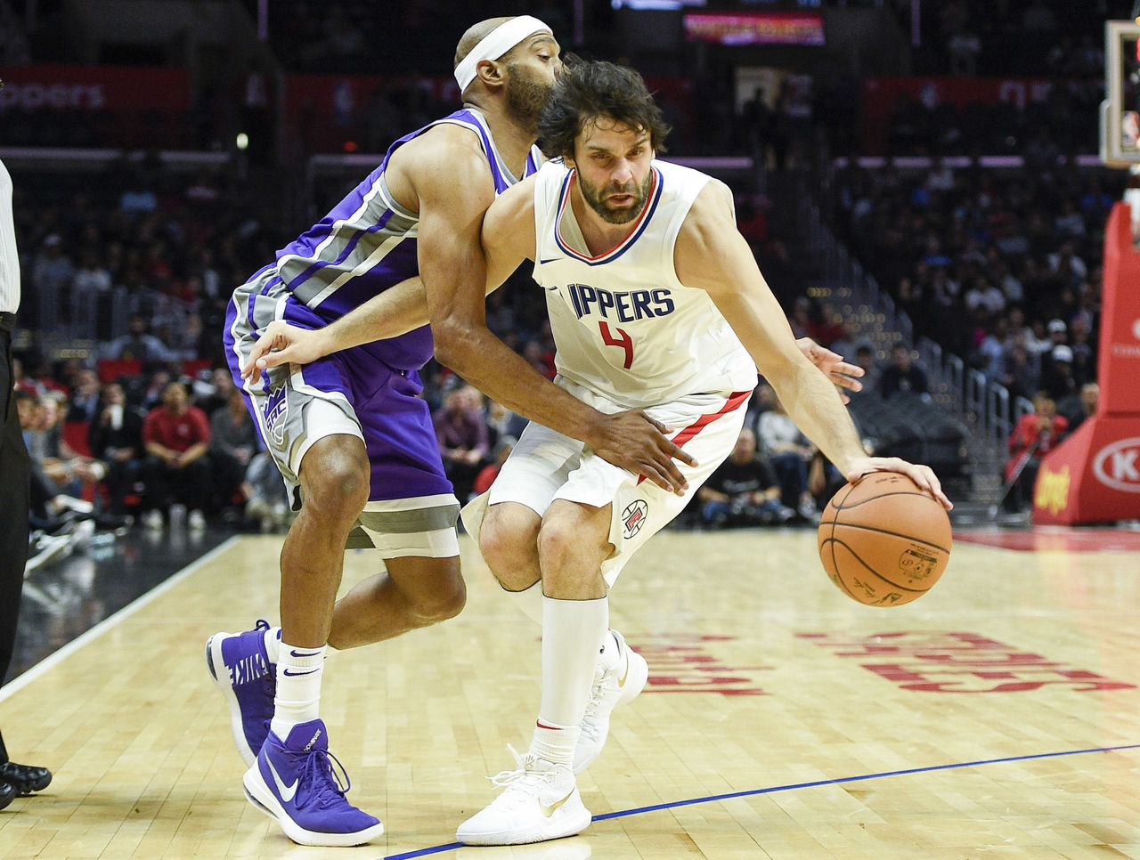 Cropped 2017 10 13t035354z 652691068 nocid rtrmadp 3 nba preseason sacramento kings at los angeles clippers