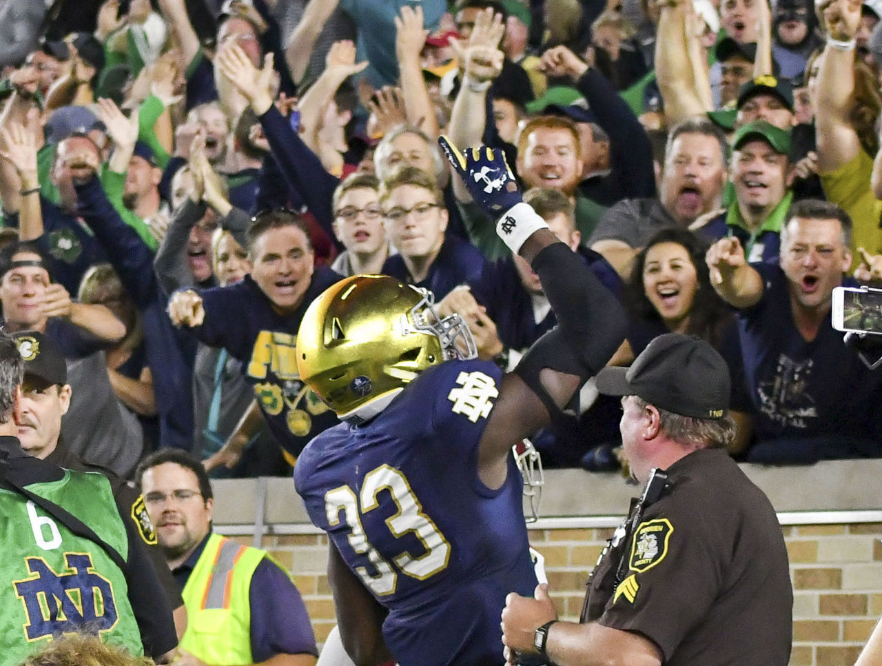 Cropped 2017 10 22t033305z 1728389311 nocid rtrmadp 3 ncaa football southern california at notre dame