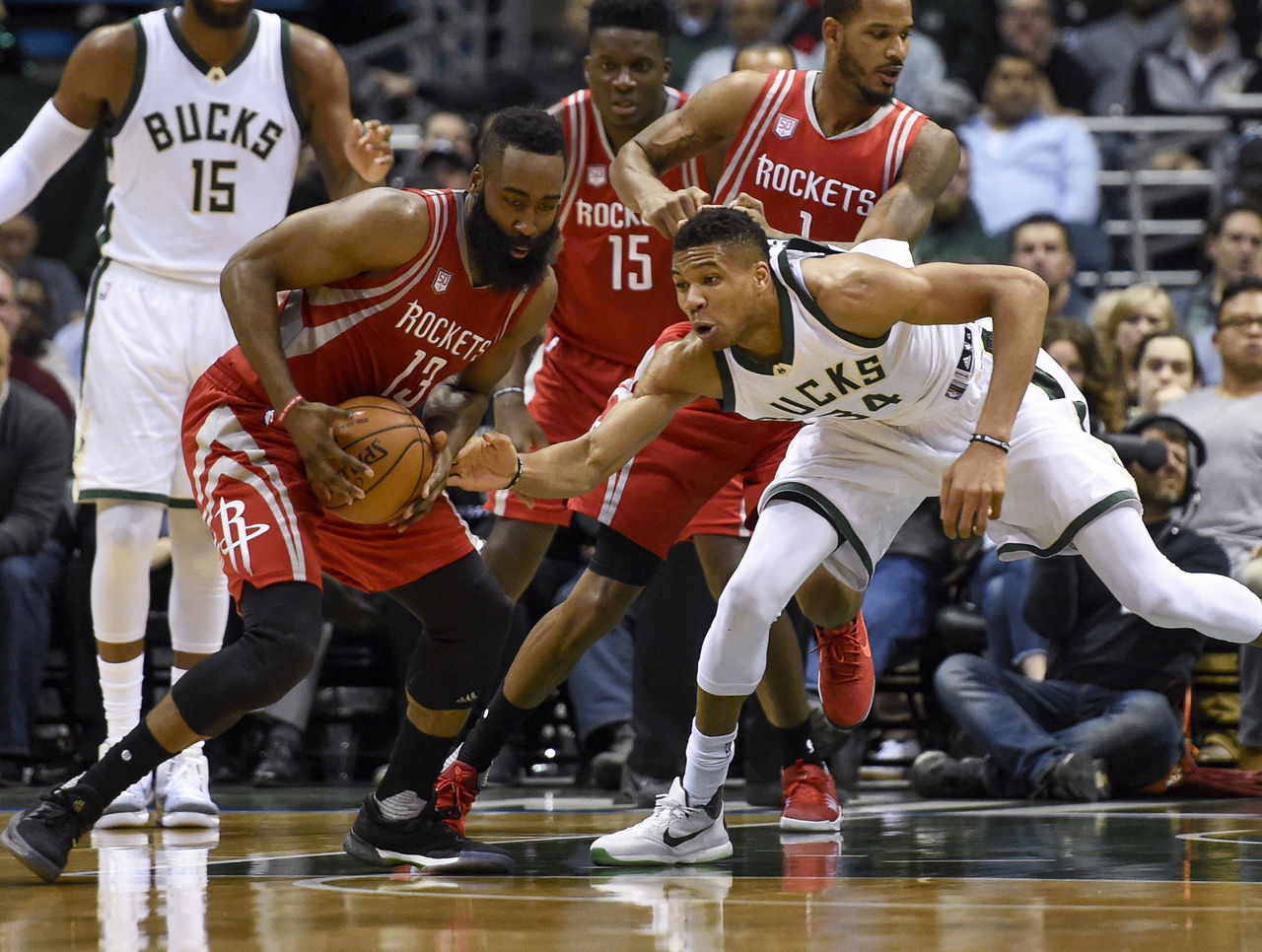 Cropped 2017 01 24t022451z 1720180152 nocid rtrmadp 3 nba houston rockets at milwaukee bucks