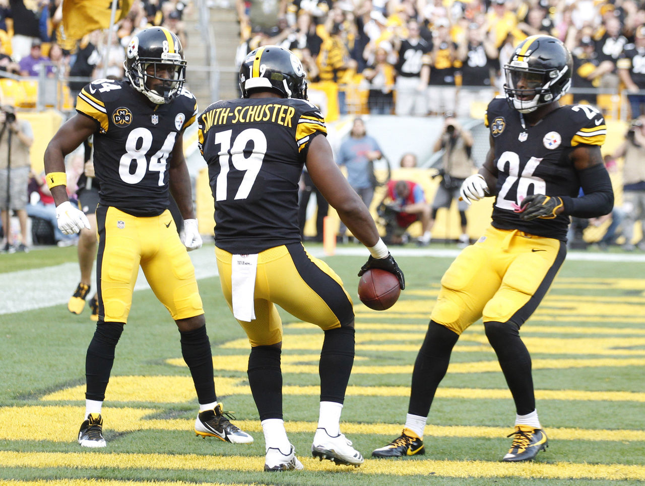 Steelers Juju Smith Schuster >> Steelers need to cut the cord and move on from Bryant   theScore.com